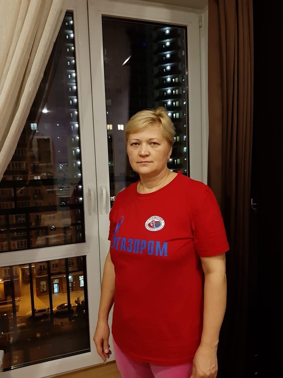 Александра Васильевна 49 лет.